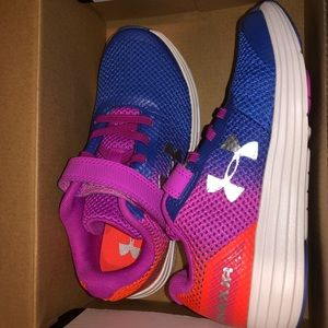 NWT Girls Under Armour Sneakers